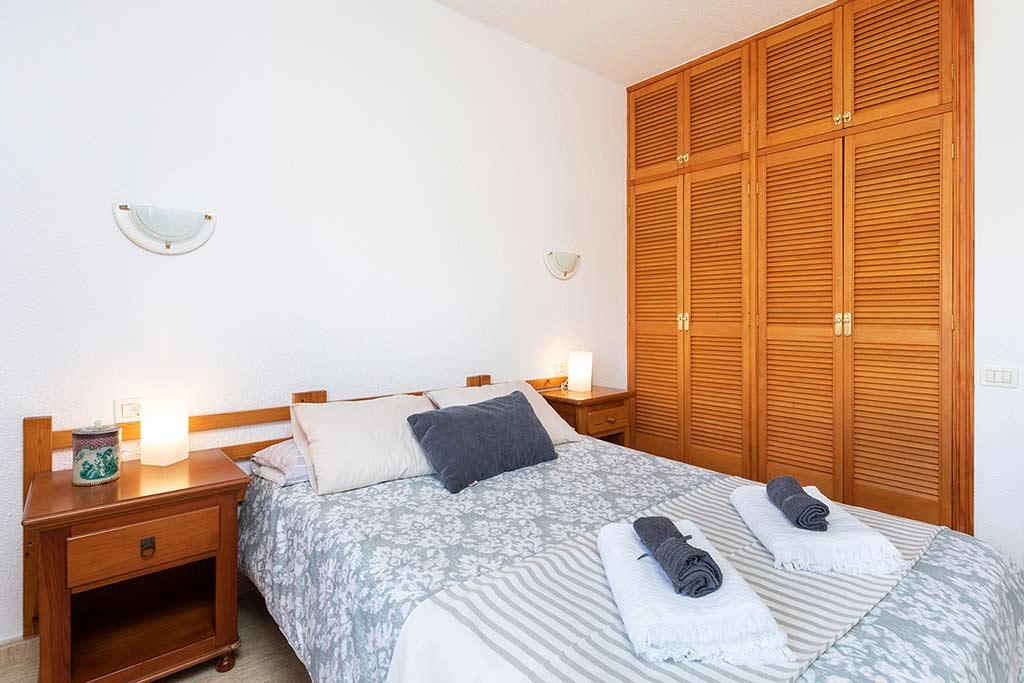 Dormitorio Rents 197 Los Angeles Holiday